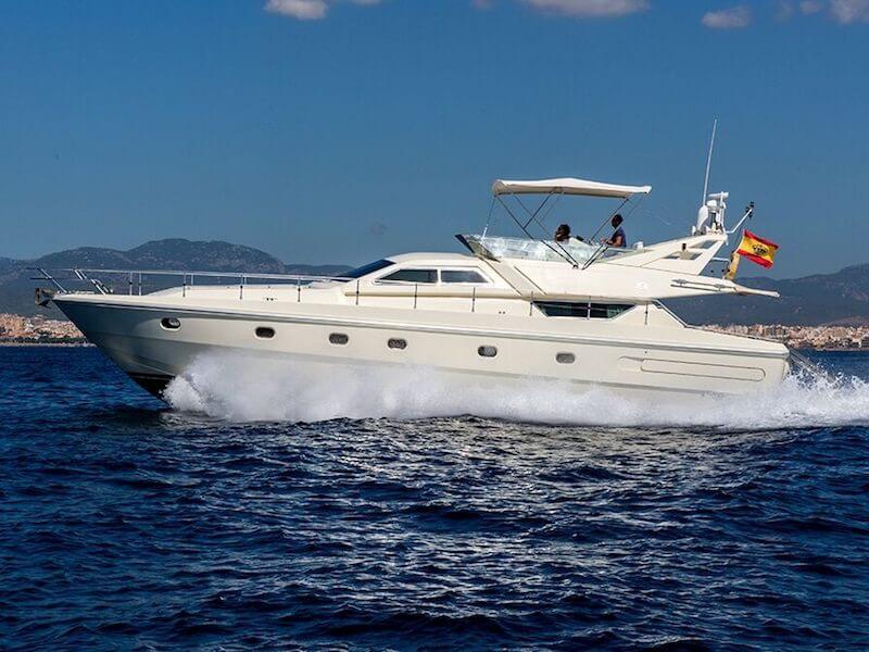 Ferreti175-cruising1
