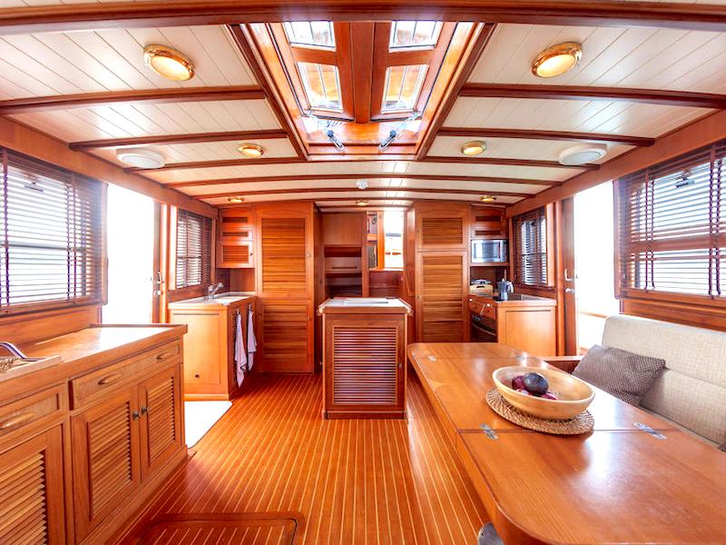 20m Motoryacht Salon
